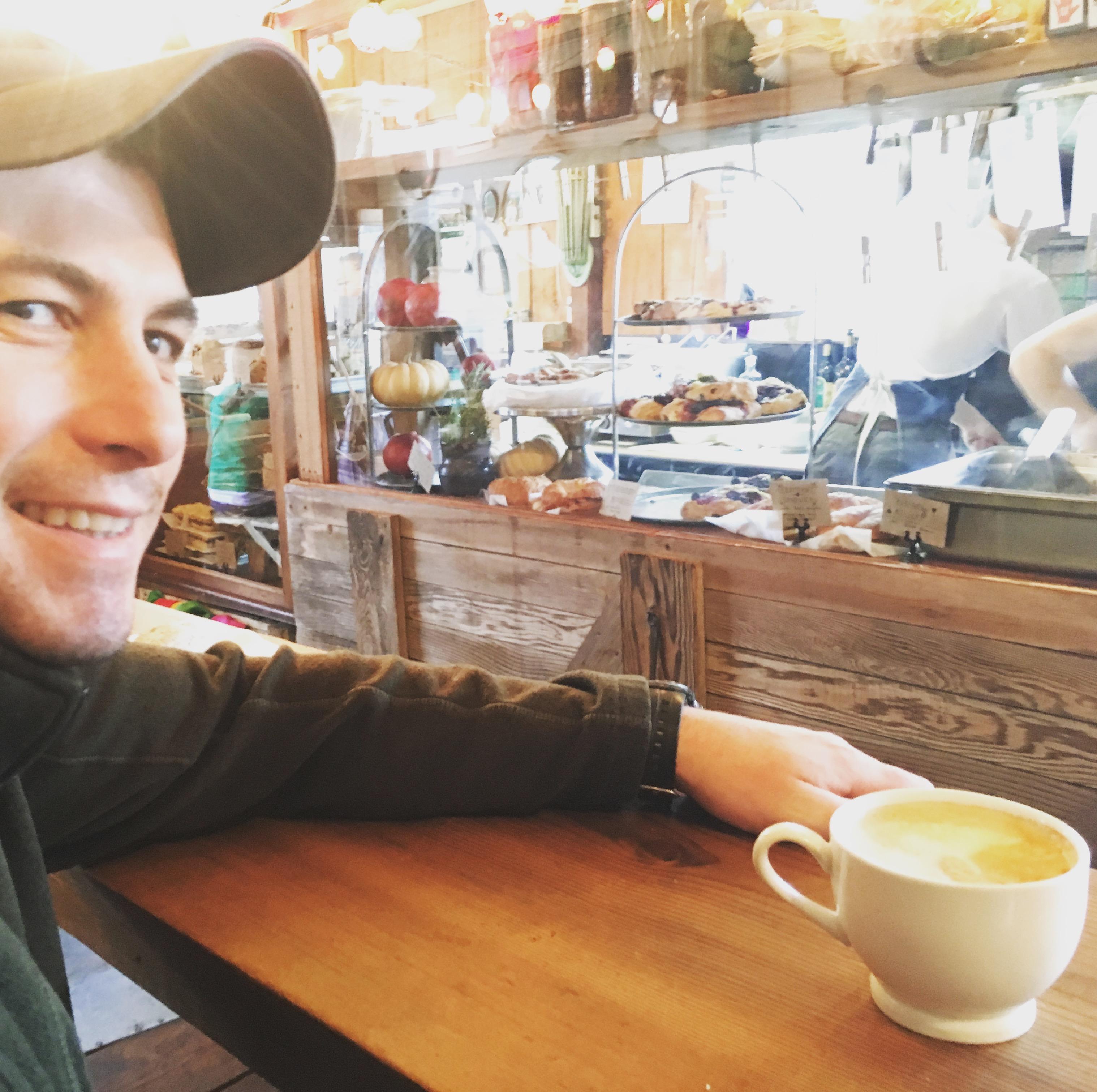 Tweets, Coffee, Bar